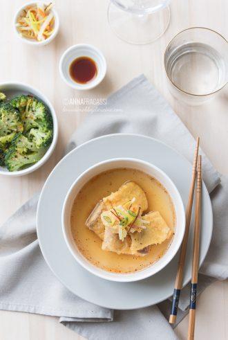 Salmone nanbanzuke con broccoli al vapore