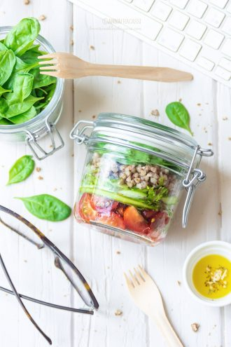 """Insalata in barattolo: la mia """"salad in a jar"""""""