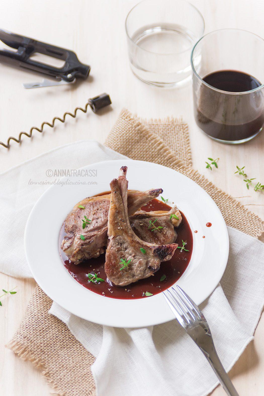 Costolette d'agnello in salsa bordolese