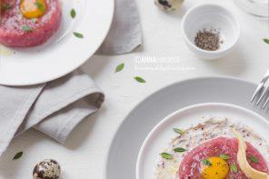 Tartare di carne, stracchino alla senape e uovo di quaglia