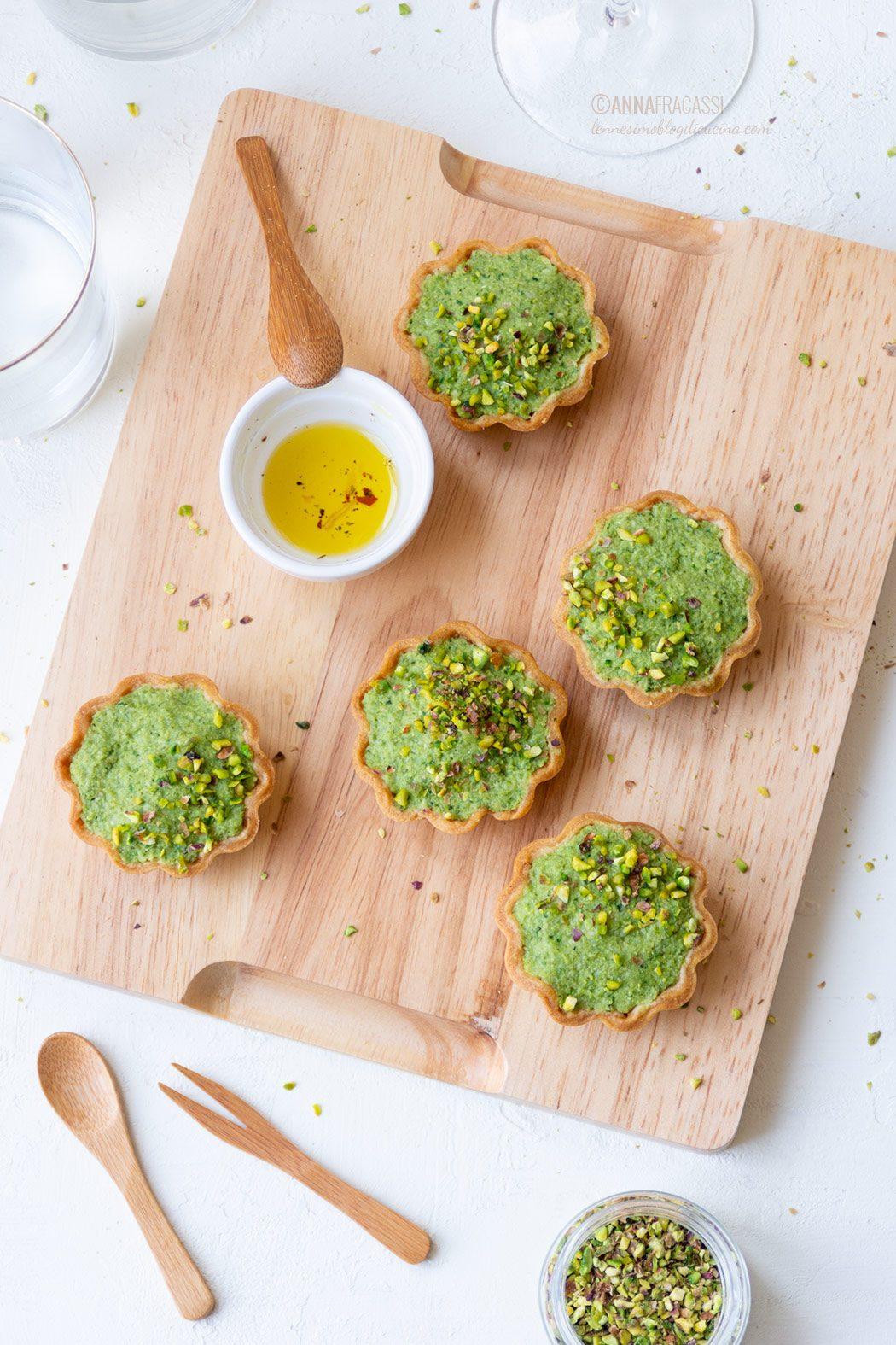 Tartellette al paté broccoli in frolla all'olio d'oliva