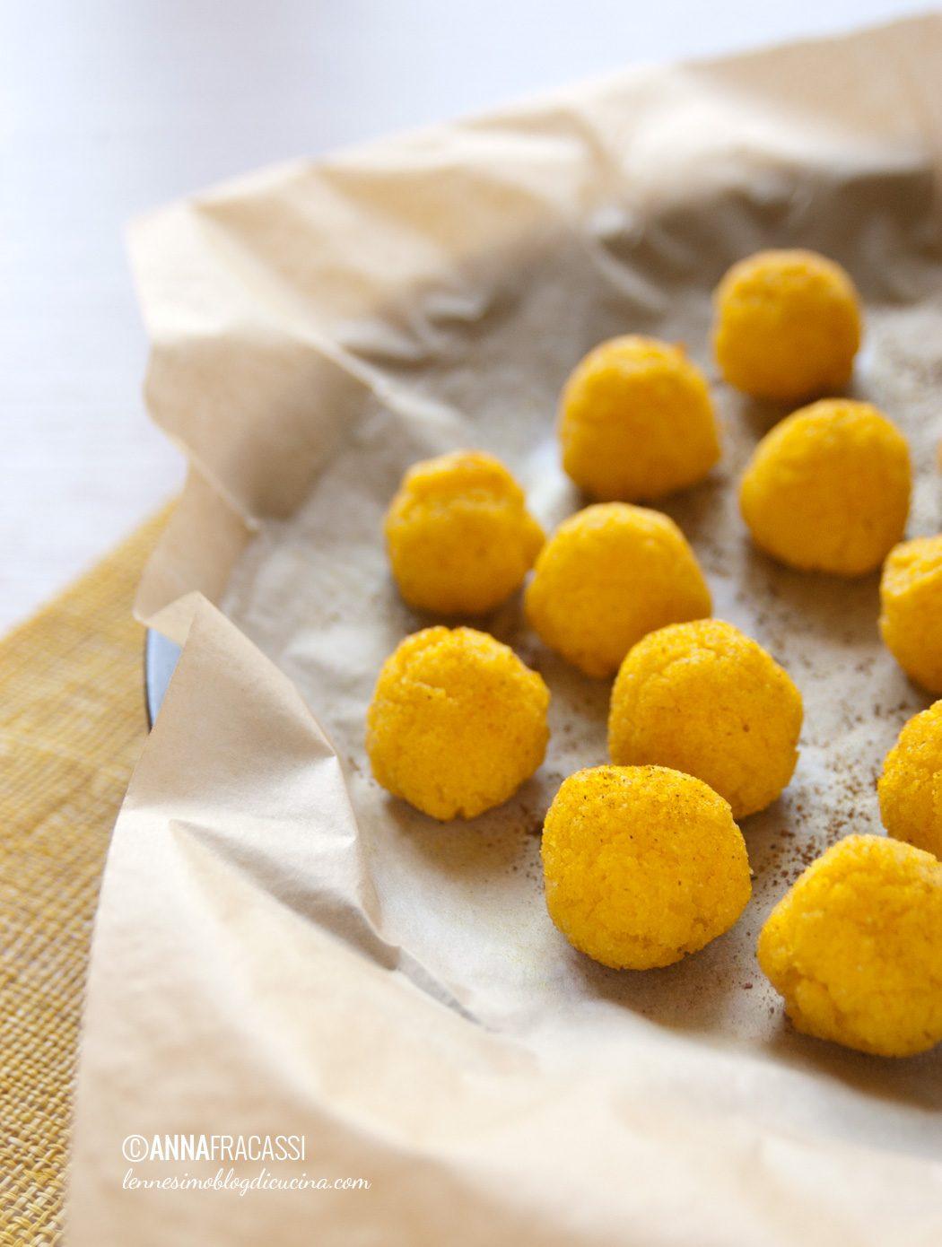 Flan di ricotta con palline croccanti di polenta
