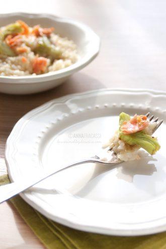 Risotto ai carciofi e salmone con olio piccante