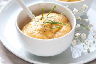 Zuppa di carote, zenzero, lenticchie rosse e arancia