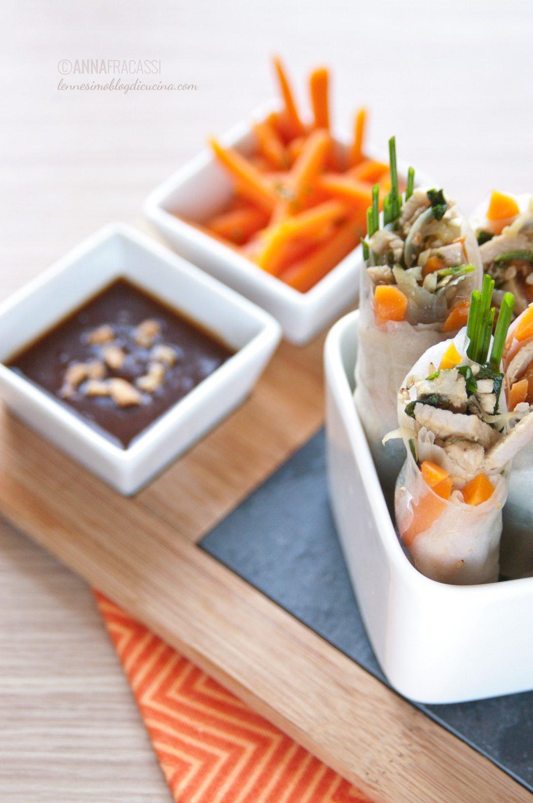 Involtini vietnamiti di carta di riso con maiale e verdure