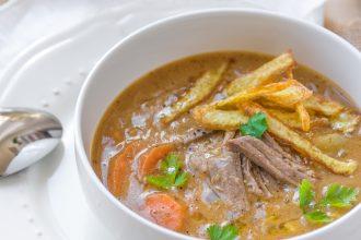 Sopa de Mani: la zuppa boliviana alle arachidi