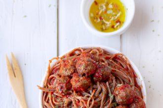 Spaghetti di grano saraceno con sugo di pallottine abruzzesi