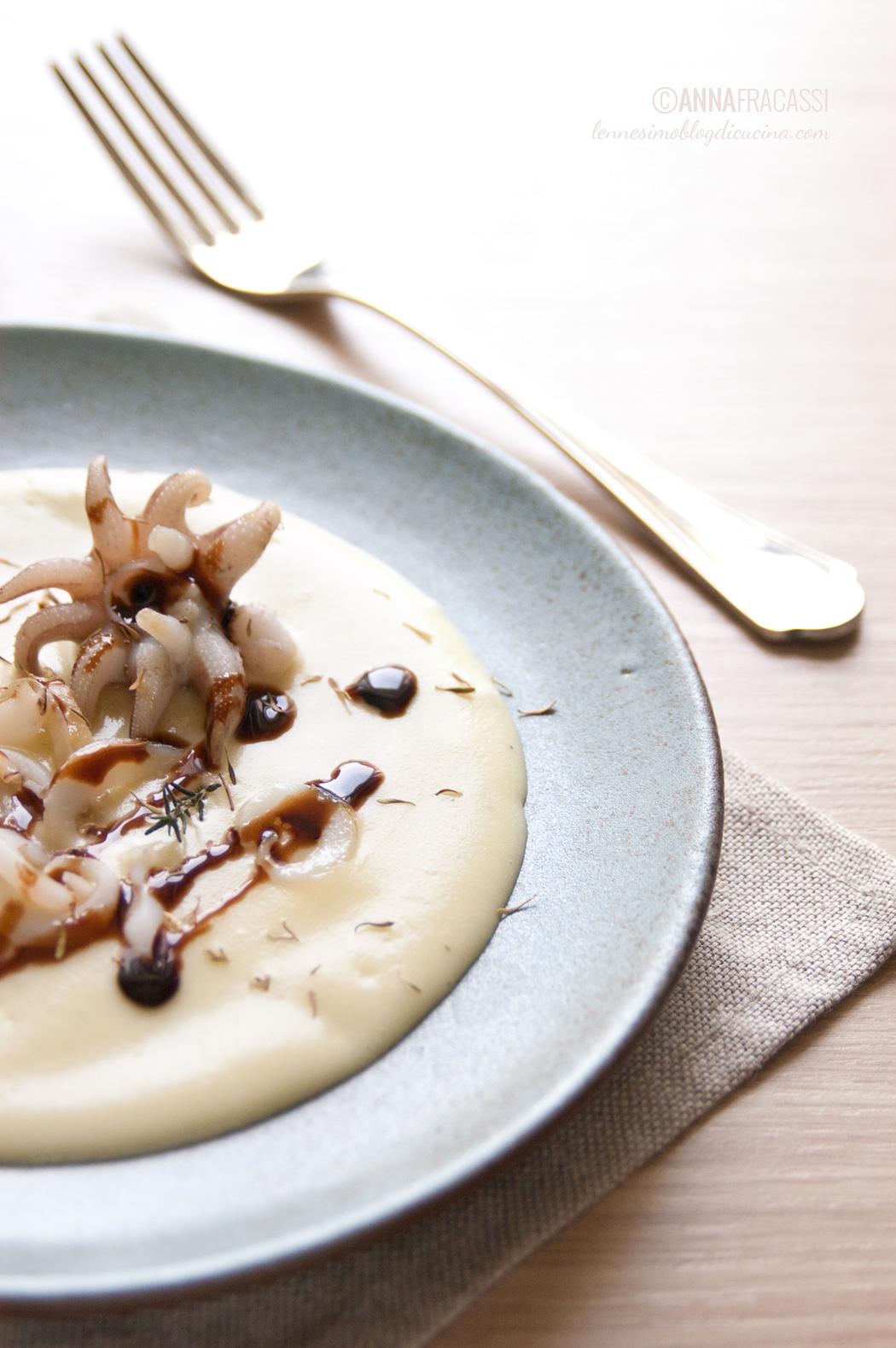 Straccetti di seppia su crema di patate