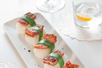 Nigiri di trota salmonata marinata nella salsa Teriyaki al miele