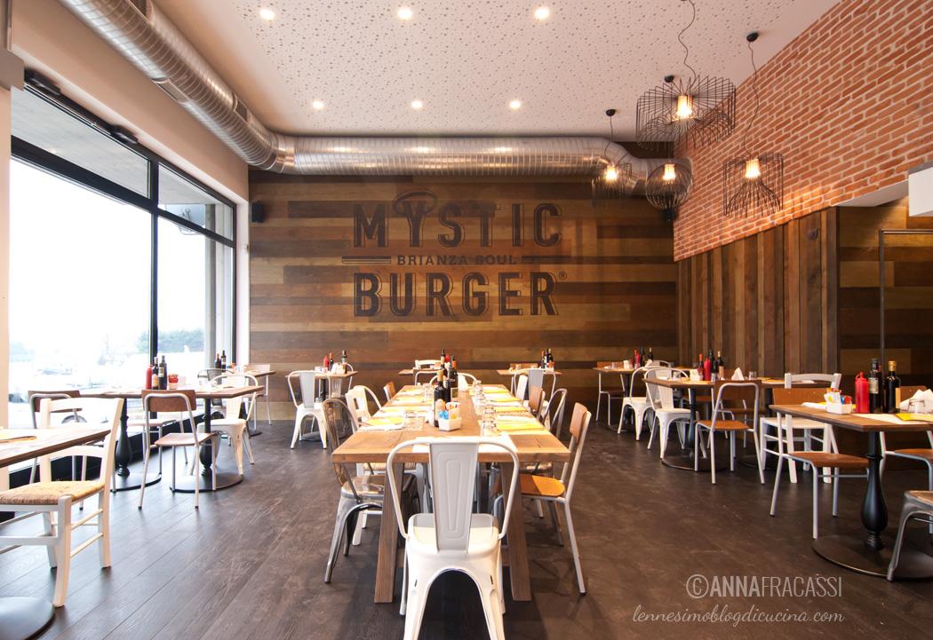 mystic burger montorfano