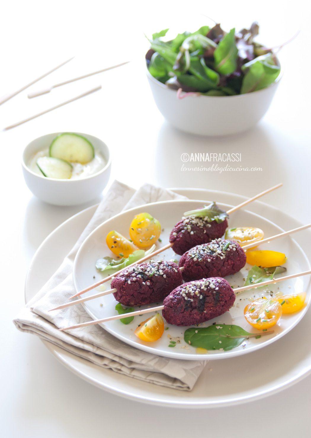 Kofta di lenticchie e barbabietola con semi di canapa