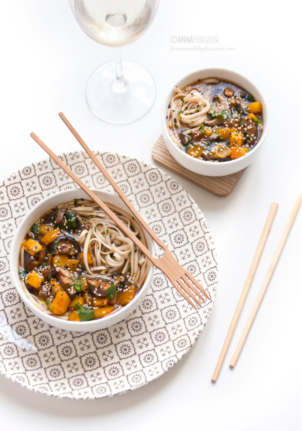 La zuppa di miso con zucca di Giulia e qualche fungo shiitake