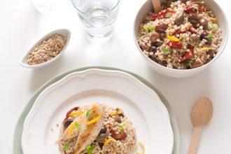 Timballo di cereali con filetti di pesce, olive, cucunci e pomodori secchi