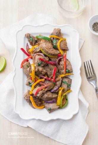 Carne di manzo alla peruviana: la ricetta del lomo saltado