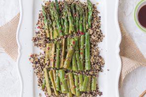 Insalata di quinoa e asparagi alla piastra in salsa di ostriche