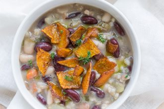 Zuppa autunnale con zucca e cumino