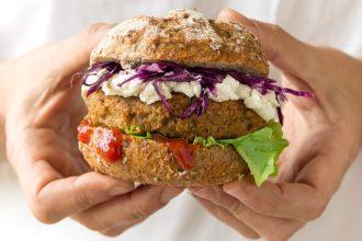 Tuna Burger: mini burger di tonno, olive verdi e robiola