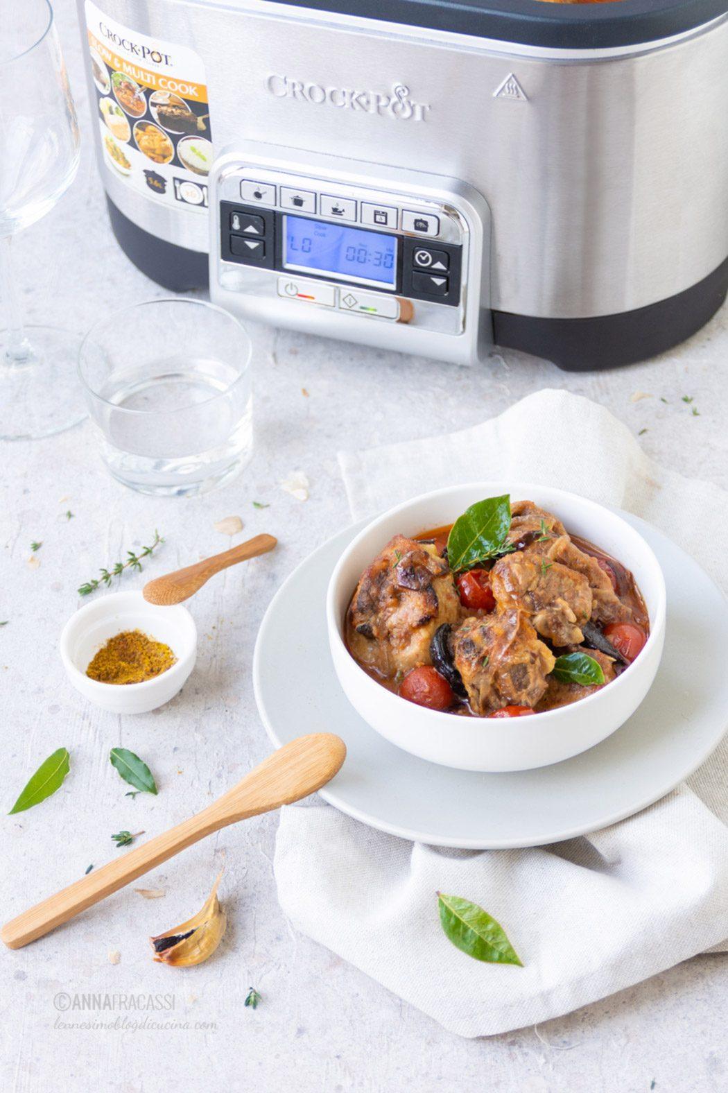 Stufato d'agnello alla persiana con Crock-Pot Slow Cooker