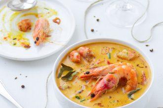 Curry giallo thailandese di gamberi