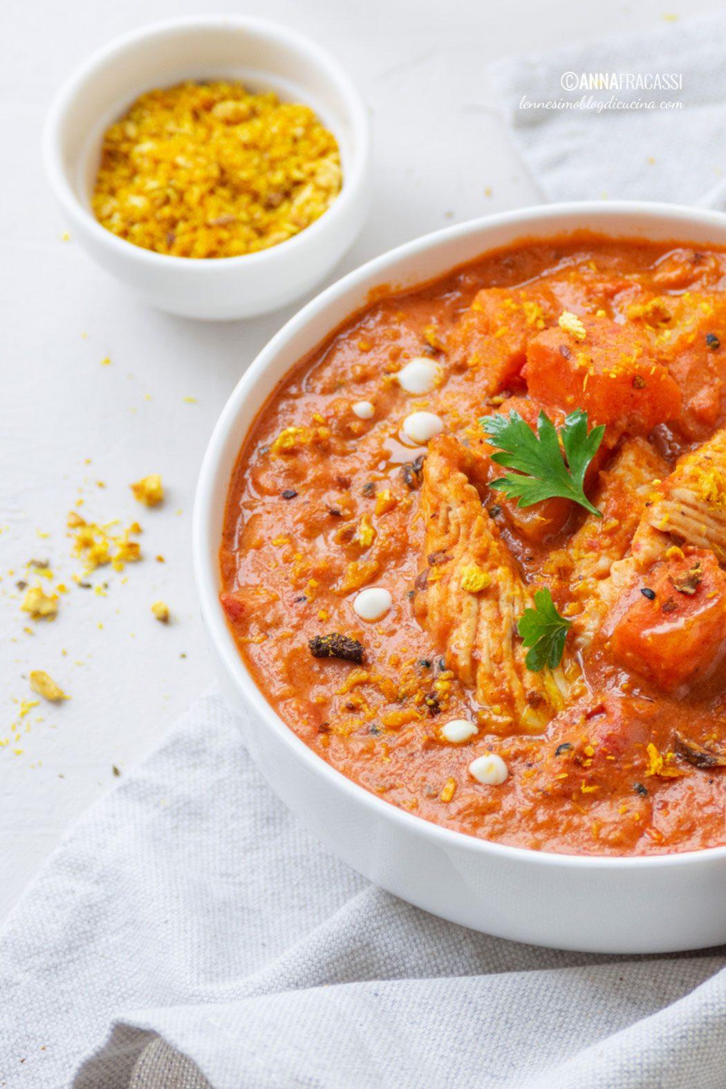 Curry indiano di tacchino con patate dolci e funghi shiitake