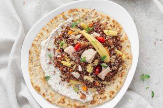 Insalata di quinoa rossa, amaranto e tonno